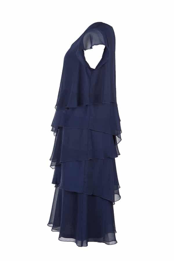 Snygg Kriss klänning Nelly i marinfärgad draperade våder