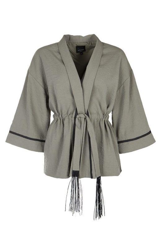 Beige färgad Kimono Zarah från Kriss med snygg knyt i midjan