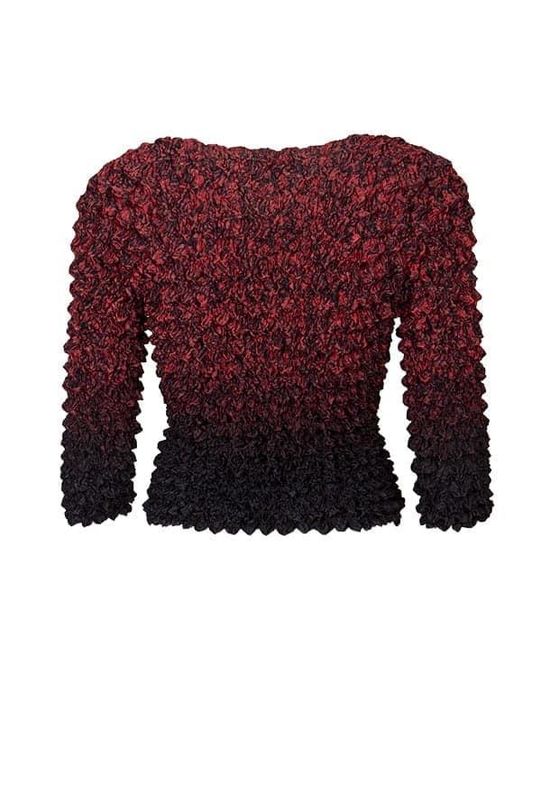 Topp Faye Red Läcker topp med unik och bubblig krinkeleffekt i dova färger på en blank botten.