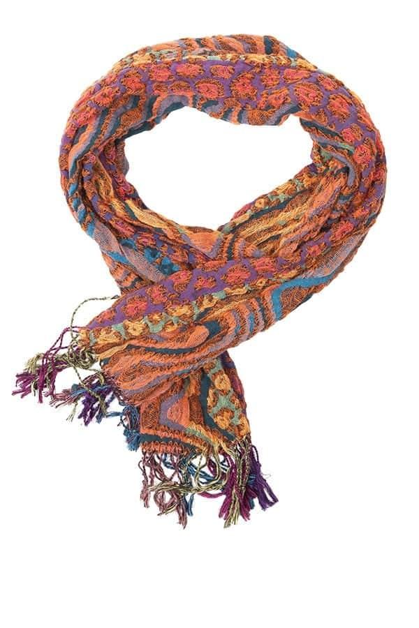 Kriss Sweden | Halsduk Jenna | Läcker scarf med leopardinslag på en bubblig och något krinklad botten | Svensk design på kriss.eu